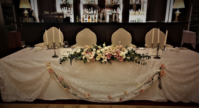 Maroo and Vanya's wedding table