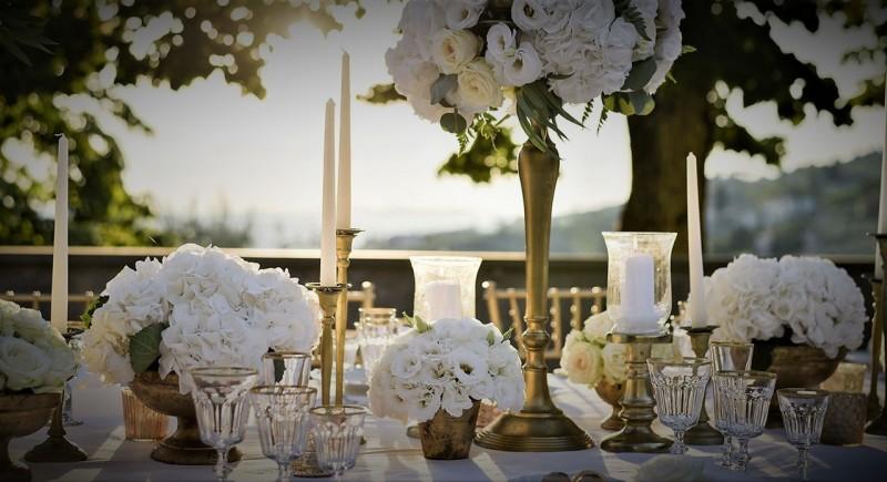 Луксозна обстановка за сватба - място за сватба